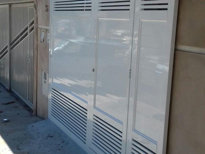 ADR - Esquadrias de Alumínio Campinas - Portões de Correr de Alumínio - Sob Medida