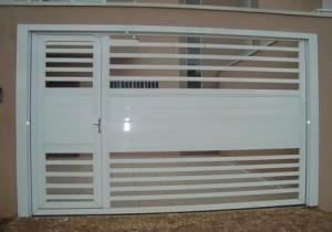 Portão de alumínio com porta Campinas - Sob Medida